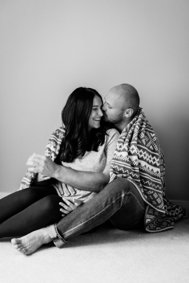 Maternity Lifestyle Photography | Maternity Couple at Home